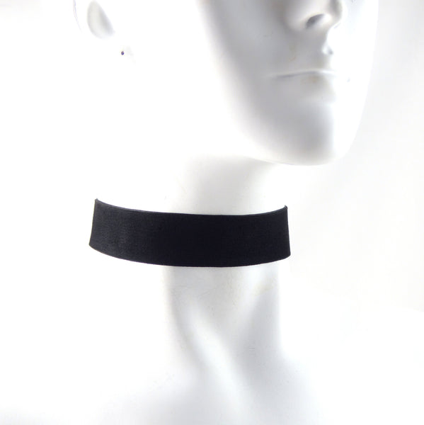 side view thick black velvet choker a trendy fashion accessory by arthlin jewelry llc made in usa