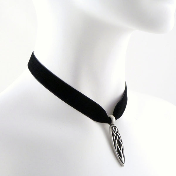 side view of black velvet choker with pewter celtic teardrop pendant arthlin jewelry