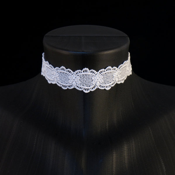 Simple Lace Choker