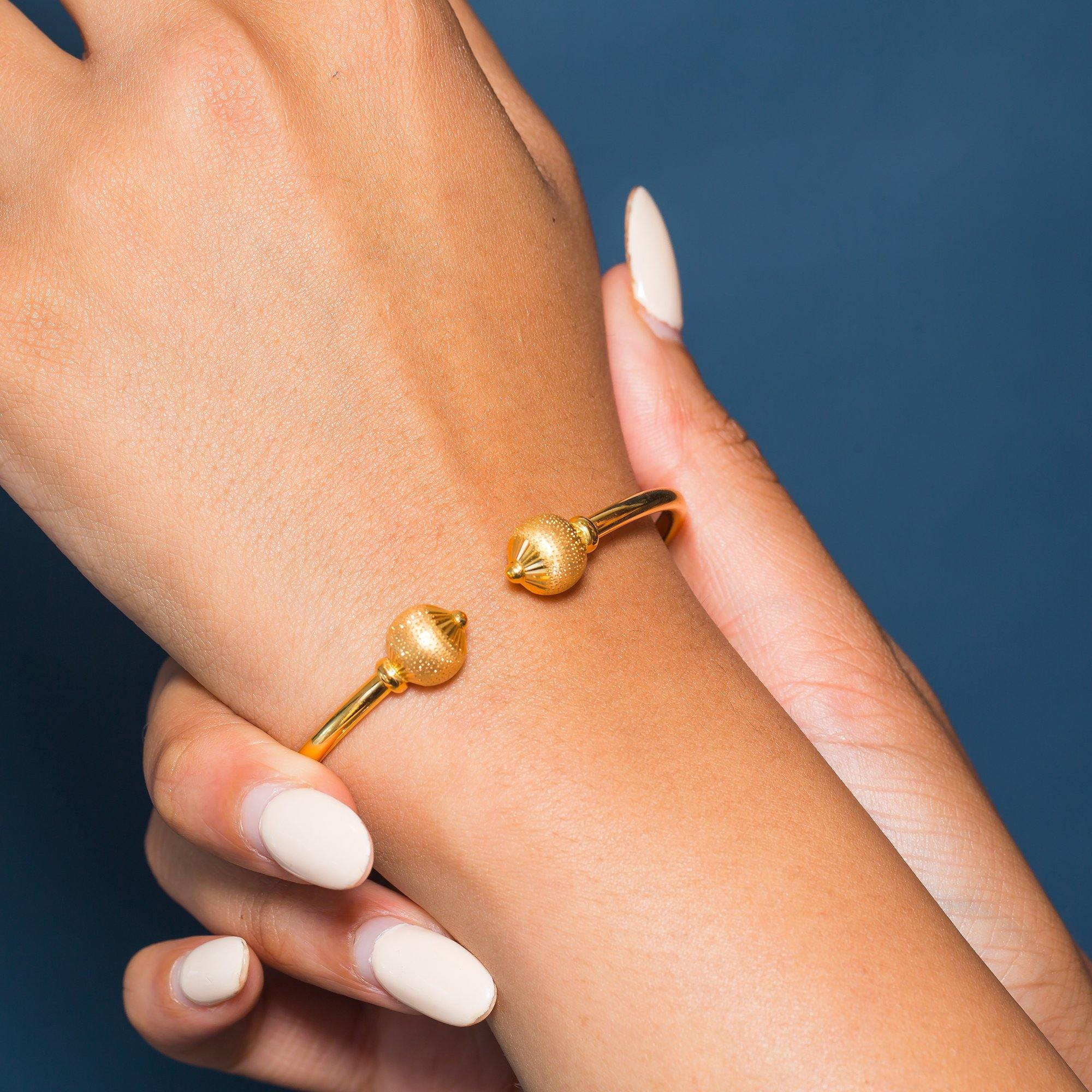 22K Yellow Gold Bangle W/ Facing Speckled Accent Balls