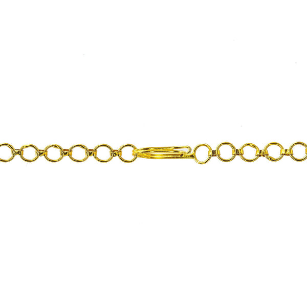 An image of the 22K gold clasp on an Indian necklace from Virani Jewelers | Looking for an exquisite 22K yellow gold jewelry set to add to your collection? This set from Vir...
