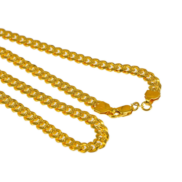 An image of the clasp and the end of the 22K gold chain from Virani. | Spice up your wardrobe with a classic piece of Indian jewelry from Virani Jewelers!  Features a s...