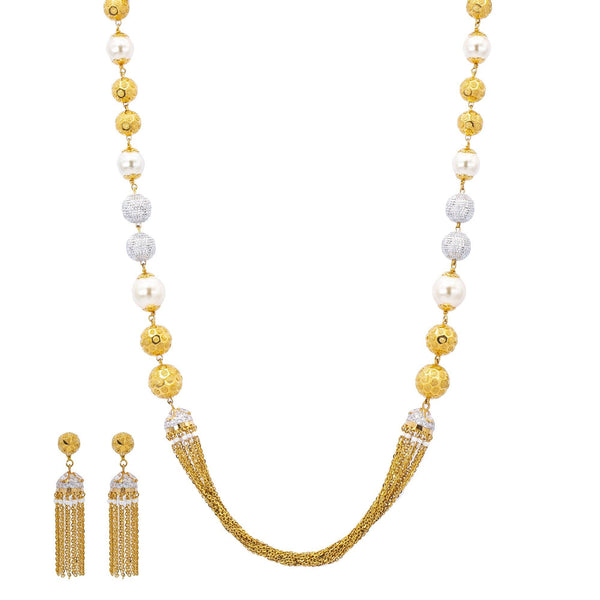 An image of the glamorous 22K gold necklace set from Virani Jewelers. | Show off your glamorous side with this dazzling 22K gold necklace set from Virani Jewelers!  Made...