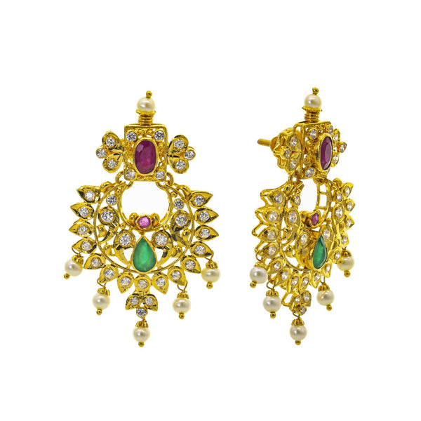 An image of the post on the Bhavna 22K gold earrings from Virani Jewelers. | Be the most beautiful person in the room with this gorgeous 22K gold necklace set from Virani Jew...