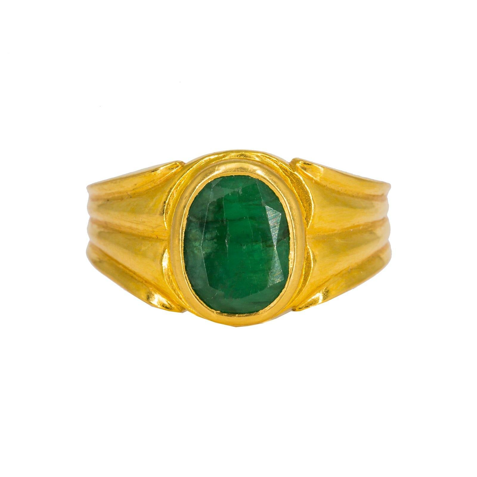 22K Yellow Gold Men's Ring W/ Emerald & Vintage Ribbed Setting