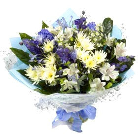 Mixed bouquet in blues and whites