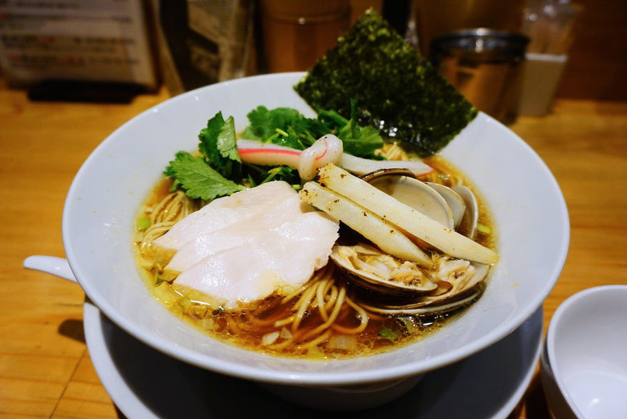 Michelin Guide Rated Clam Soup Ramen : むぎとオリーブ (Mugi and Olive)
