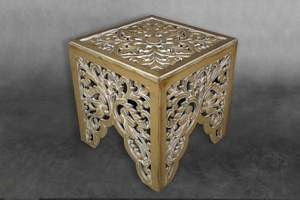 "Carved Bedside Table ""Ratu"" - Natural Wash"