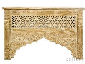 "Carved teak console table ""Sandhita"" - Natural Wash"
