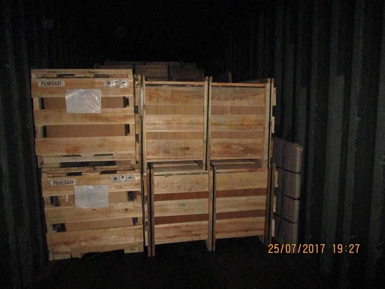Furniture from Bali to ship