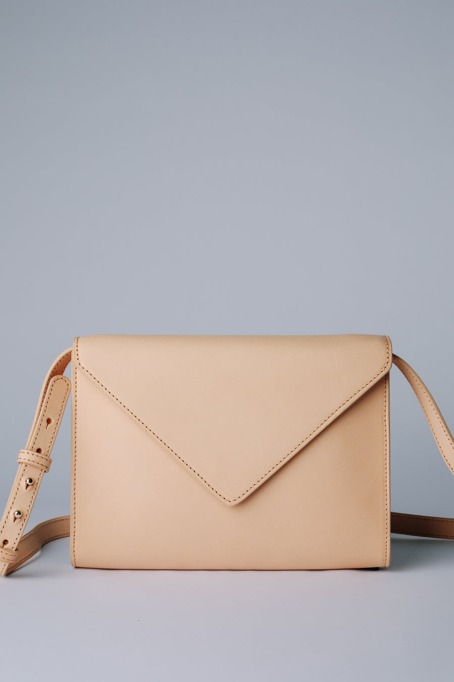 ENVELOPE LEATHER BAG (NATURAL)