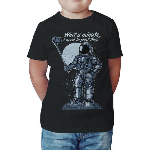 I Love Science Selfie Astronaut Official Kid's T-shirt (Black) - Urban Species Kids Short Sleeved T-Shirt