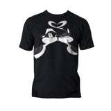 Looney Tunes Pepe Le Pew Valentines Kiss Official Men's T-Shirt (Black)