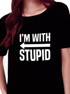 I'm With Stupid (Arrow Points To The Right) T-shirt for Women - Let's Beach