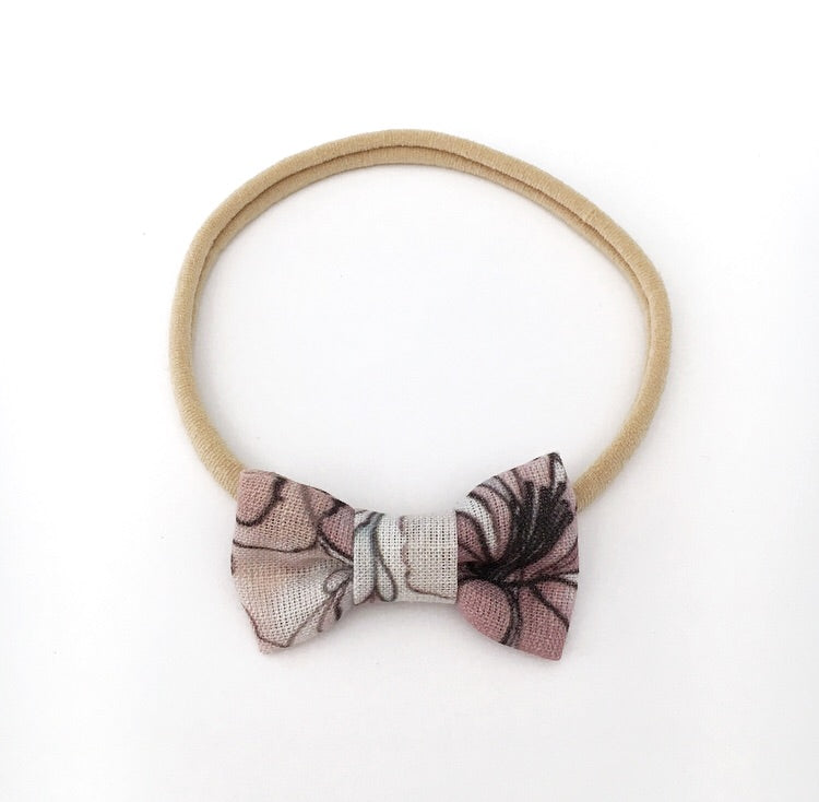 """WINSLOW"" MINI LINEN FLORAL BOW"