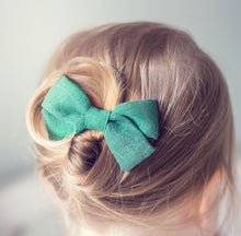"""EMME"" CHRISTMAS GREEN LUREX BOW"