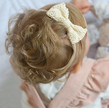 """LIANA"" CREAM LACE BOW"