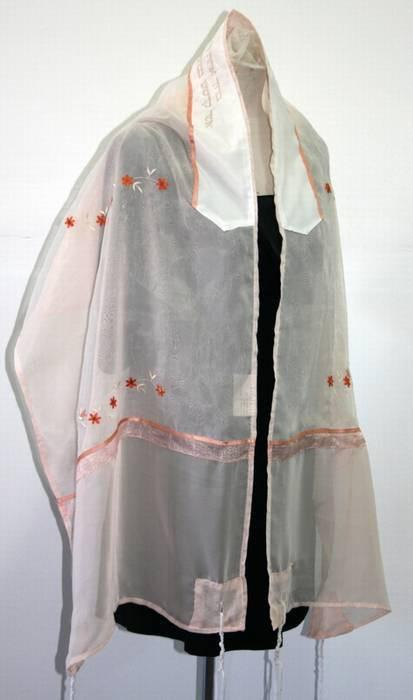 Flowered Organza Tallit In Peach
