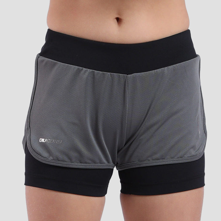 Court Shorts Grey