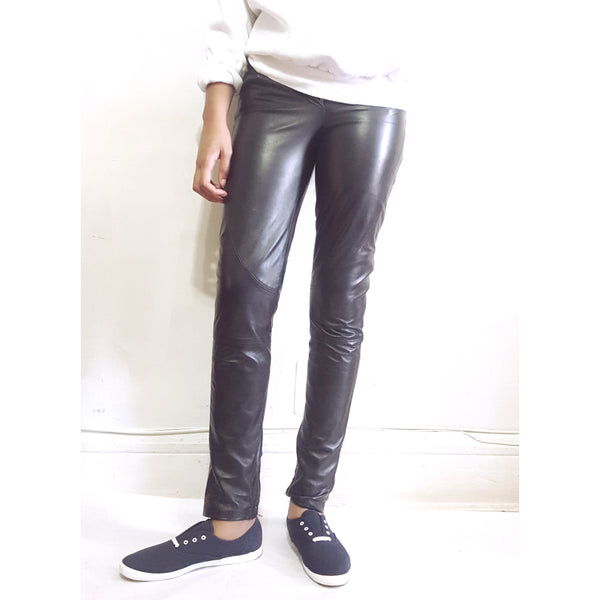 Philosophy Di Alberta Ferretti Black Leather Pants sz. 4 - Wells Resale and Company