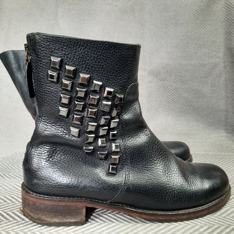Boss Hugo Boss Studded Chelsea Boot size 38