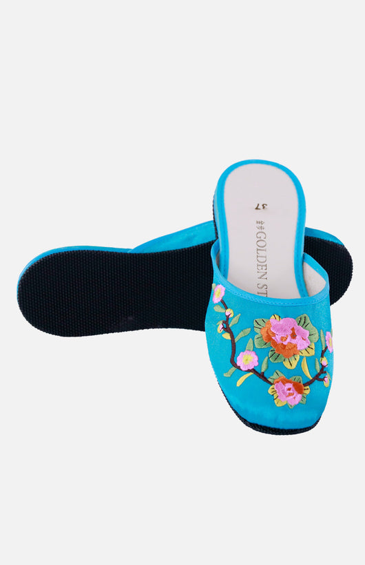 Silk Embroidered Slipper (Camellia Flower)
