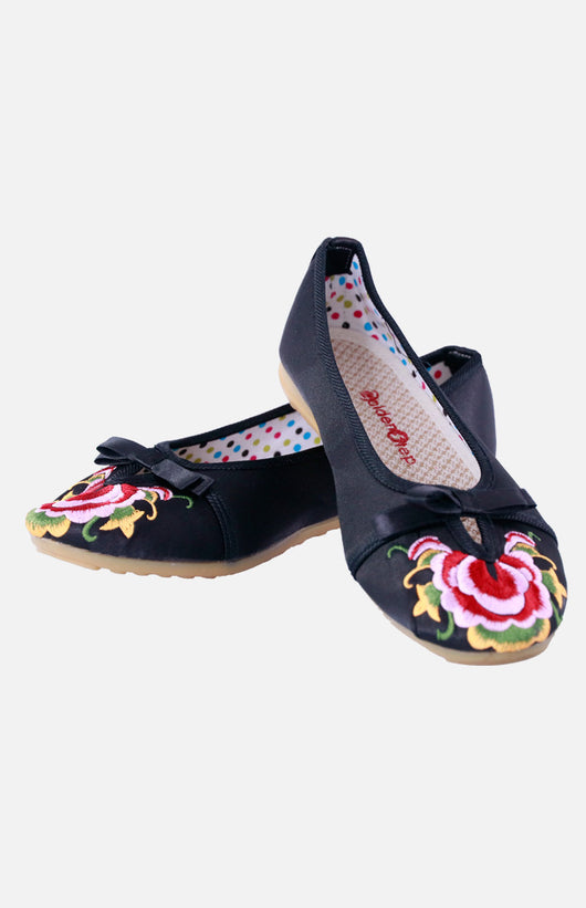 Silk Embroidere Shoe with a Bow