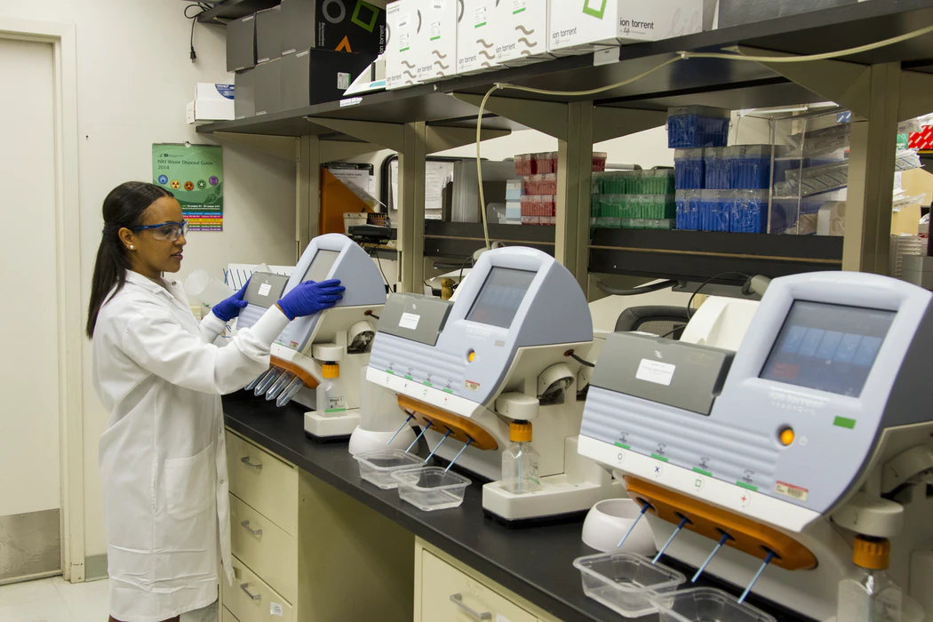 technician working in a medical laboratory