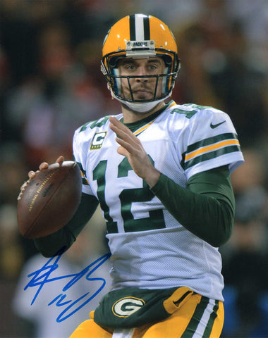Autographed 8X10 Photograph Aaron Rodgers Quarterback Green Bay Packers NFL COA