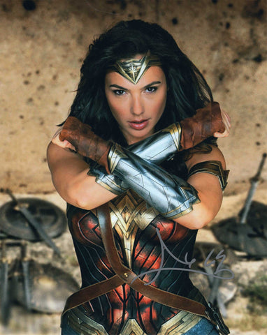 Autographed 8 x 10 Photograph Gal Gadot Actress Wonder Woman Batman vs Superman COA