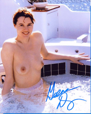 Geena Davis - NUDE - Actress Producer Writer Model 8 X 10 Autographed Picture COA