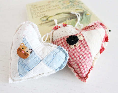 Vintage Quilt Hearts - Cat or Sheep
