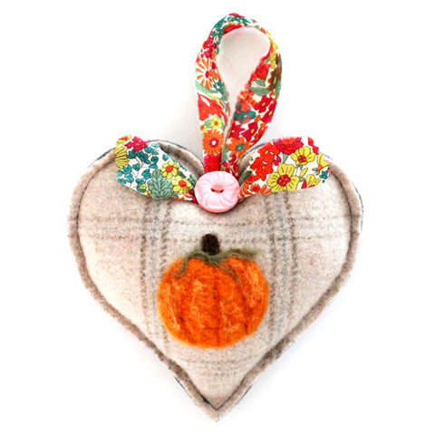 Wool Pumpkin Heart No.1