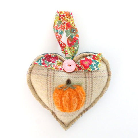 Wool Pumpkin Heart No.2