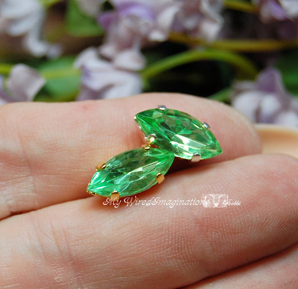 Vintage Czech Peridot, 2 Pcs 15x7mm Navette With Prong Sew On Setting