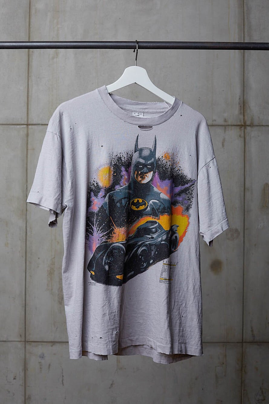 BATMAN 80'S BAT MOBILE STAT TEE
