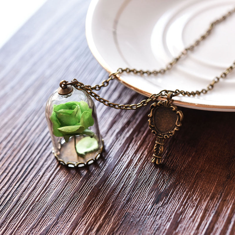 Lovely Green Rose in Glass Vile Pendant Charm Necklace Fashion Vintage Look Gold Tone