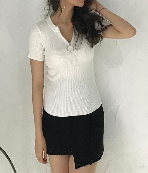 White Fine Cable Knit Short Sleeve Sweater with Zipper and Ring Detail