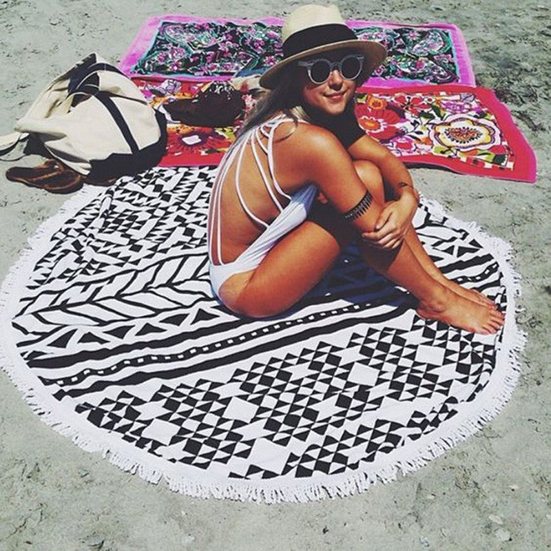 Awesome Black/White Geometrical Print Round Beach Towel Blanket With Tassels