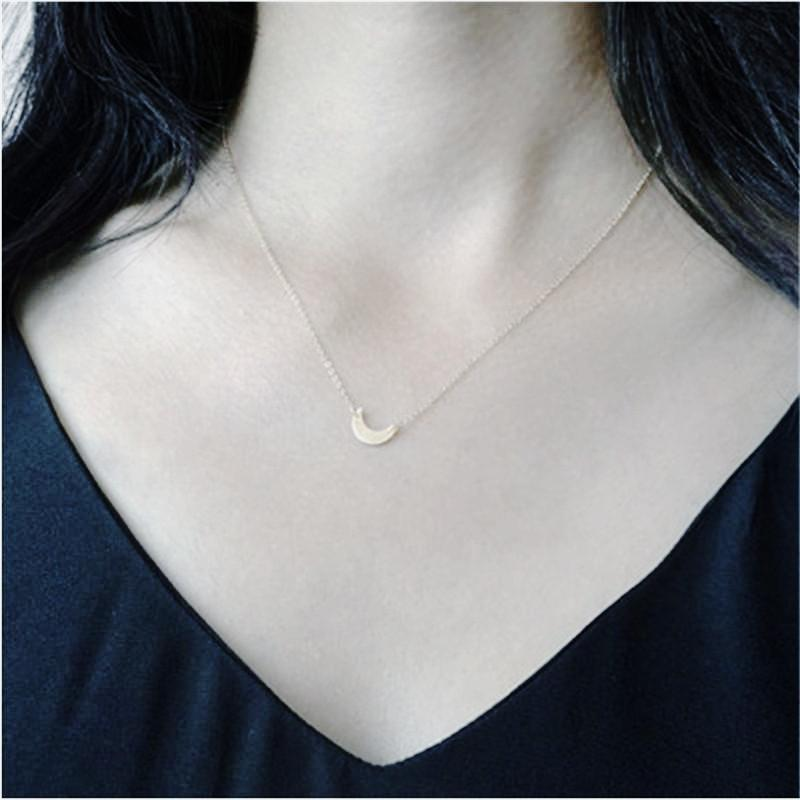 Simple Tiny Crescent Moon Choker Necklace Silver Tone
