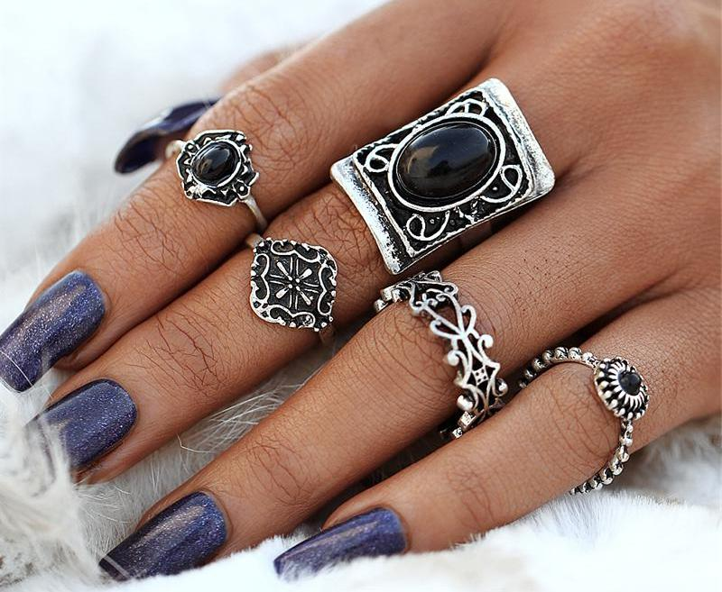 Beautiful Vintage Large Rectangle Black Beaded Stone Vintage Flower Tribal/Vintage Look Set of 5pcs Midi Rings Silver Tone
