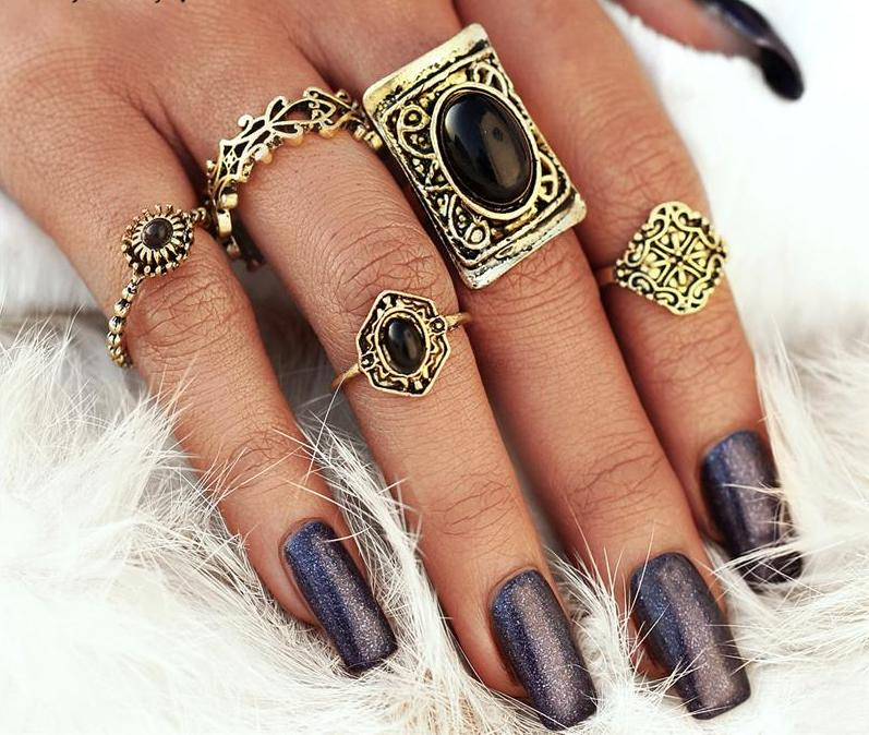 Beautiful Vintage Large Rectangle Black Beaded Stone Vintage Flower Tribal/Vintage Look Set of 5pcs Midi Rings Gold Tone
