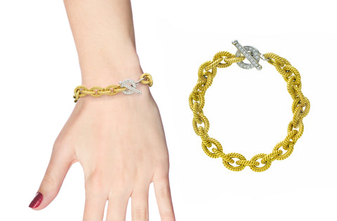 18 karat gold and diamond clasp bracelet