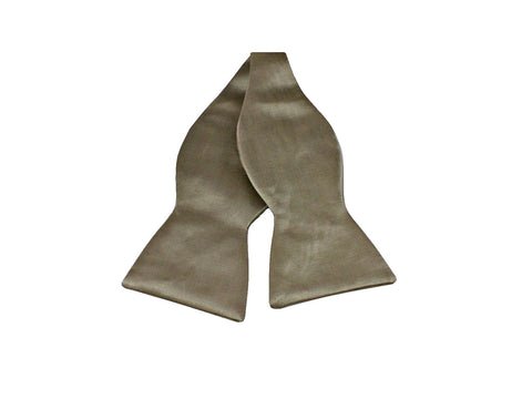 Oversized Champagne Silk Bow Tie - Fine and Dandy