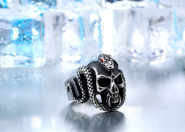 2018 Retro Vintage Devil snake Ring with Stone