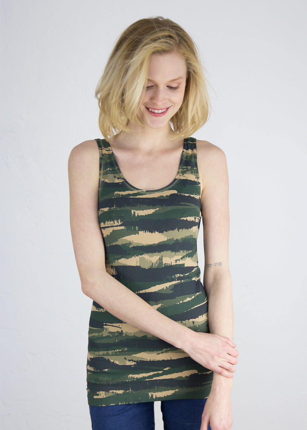 Abstract Camo in Green Seamless Tank Top
