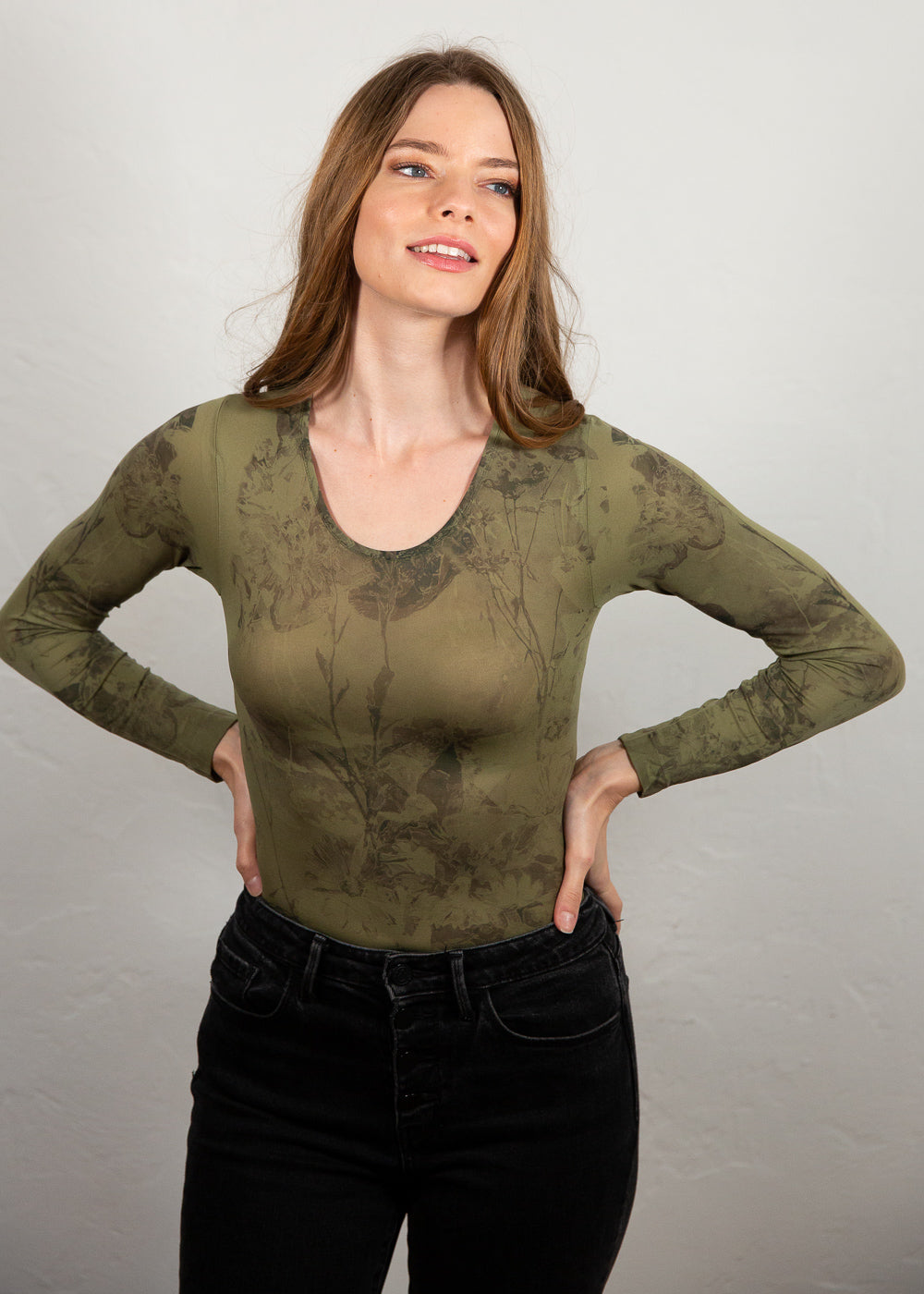 Antique Flora Second Skin Crew Neck Top