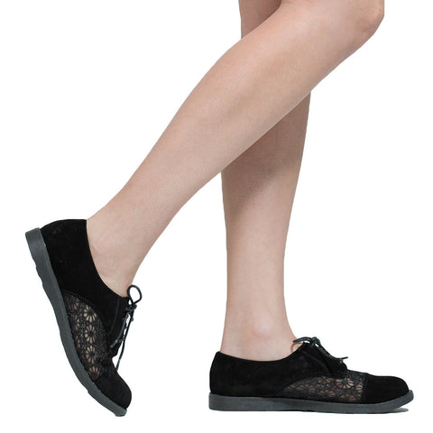 Womens Closed Toe Shoes Embroidered Flower Lace Up Oxford Flats black