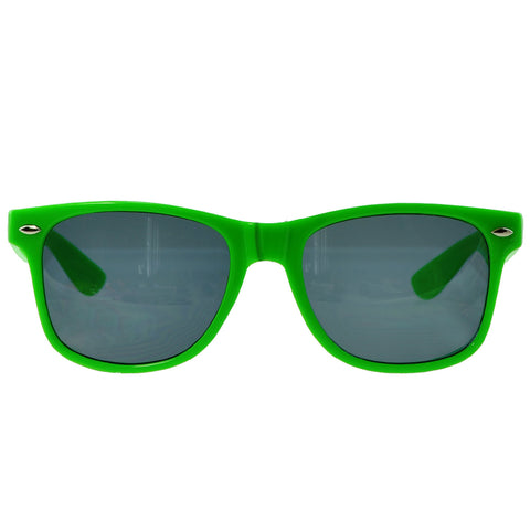 Unisex Classic Wayfarer UV Protected Smoke Gradient Lens Sunglasses Green