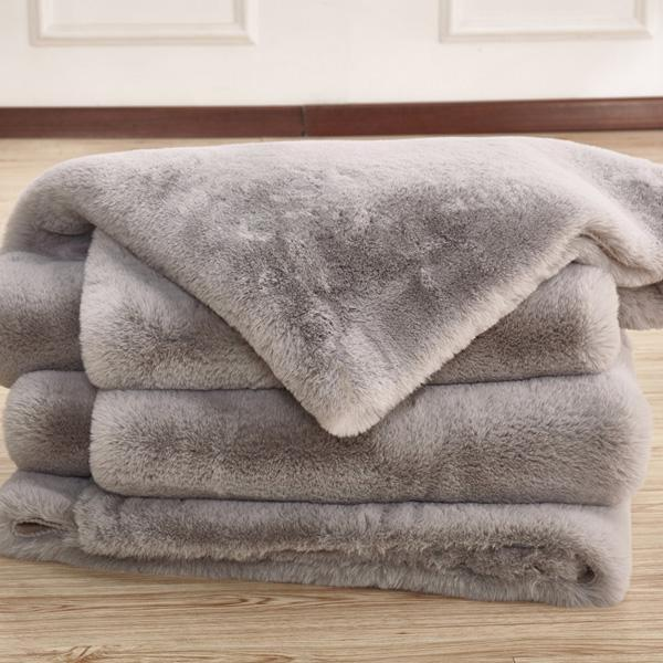 Faux Fur Rug - Rug Factory Plus, Faux Chinchilla Silver Area Rug & Bed Cover